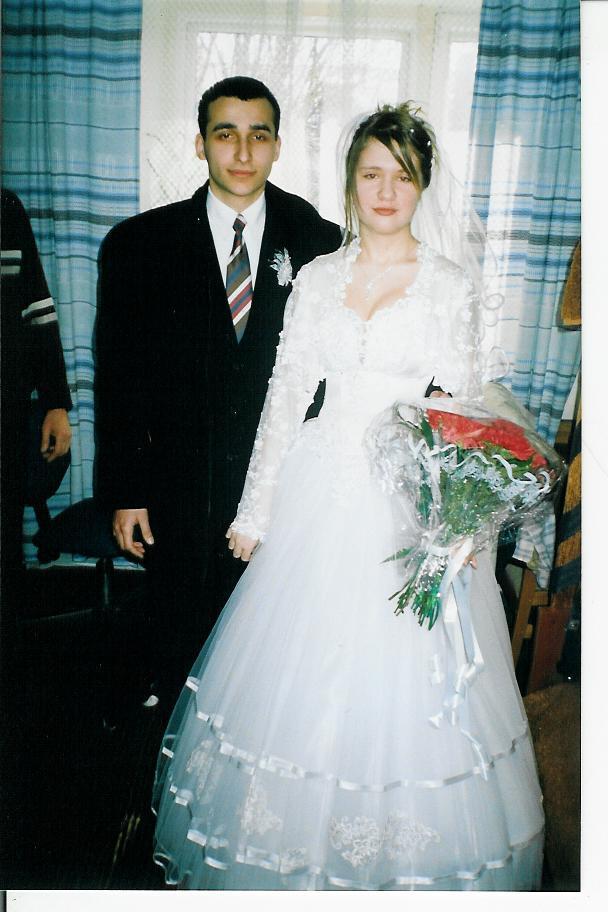 Друг поздравляет невесту свадьбой